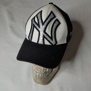 NY Yankees MLB womens fitted baseball hat